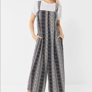 UO Edith Relaxed Square-Neck Jumpsuit